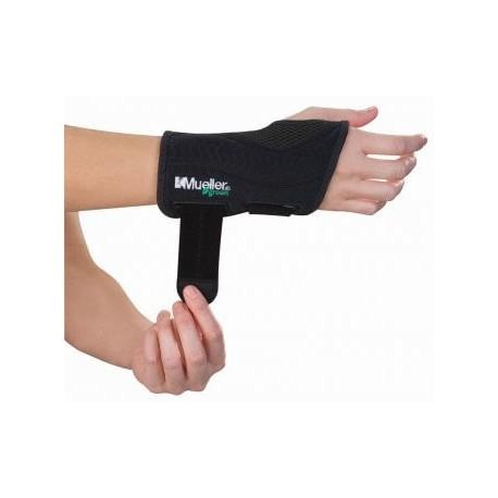 MUELLER Green Fitted Wrist Brace Left
